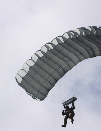 Heavy Load Tactical parachuting