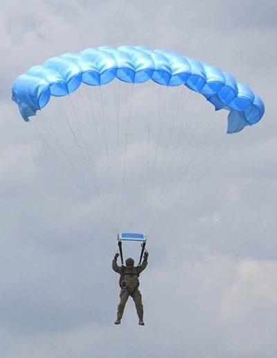Descending in an tactical reserve parachute